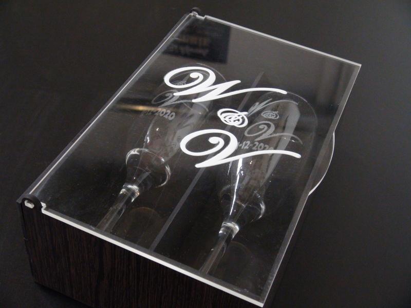 Grabado sobre acrilico cristal